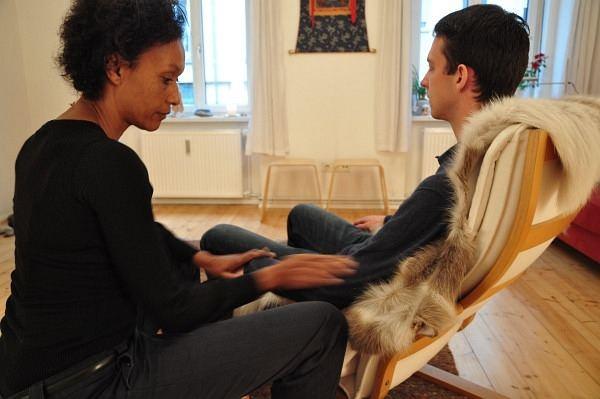 Therapeutic-Touch krafttiere raeuchern schmerz
